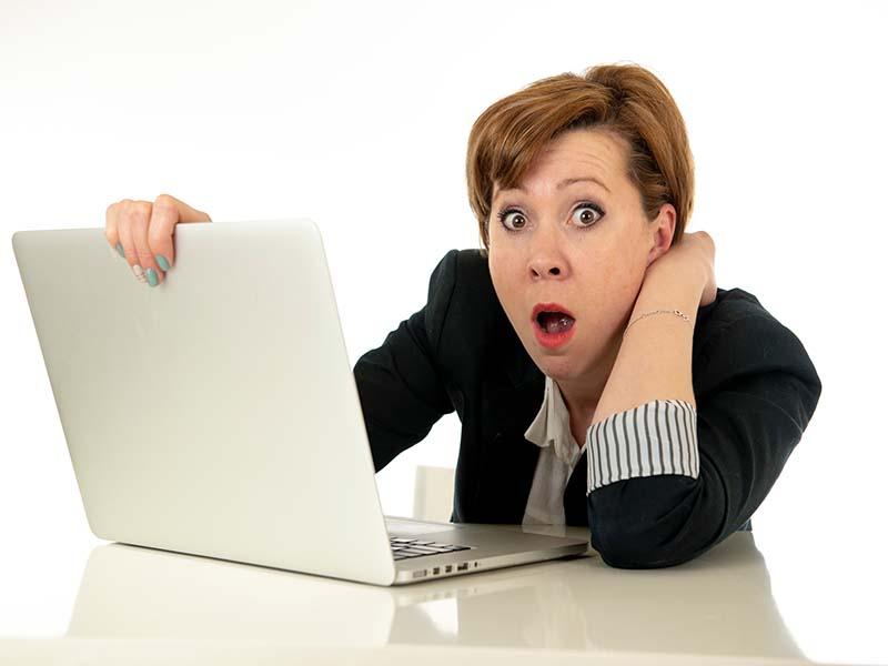 Vicki-grabbing-laptop-and-shocked