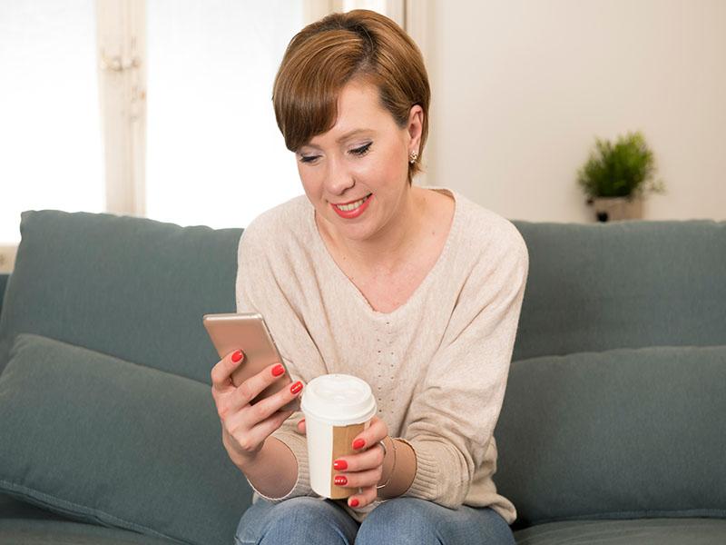 Vicki-with-phone